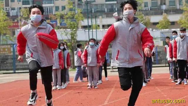 3名学生体育课猝死,都是口罩惹的祸吗?