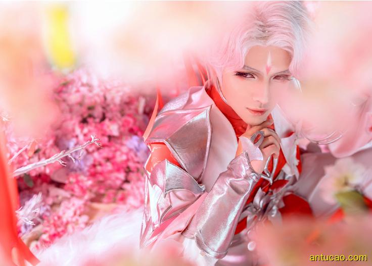 王者荣耀诸葛亮图集:诸葛亮的cosplay装扮着实惊艳!