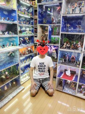 《海贼王》粉丝打造超梦幻手办收藏柜 儿子表示这值得骄傲