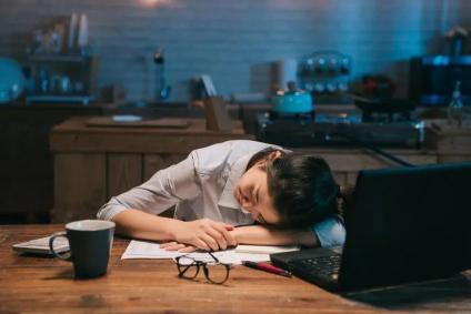 青年人假期多睡觉,就能补上平时的损耗吗?