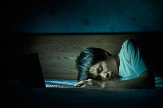 熬夜伤身体,不止伤自己,子孙后代也跟着遭殃