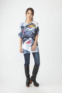 """263元!《高达》推出主题T恤 设计大胆略""""羞耻"""""""