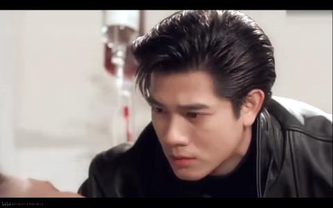 难怪易烊千玺的发型这么眼熟,越看越像当年的郭天王啊
