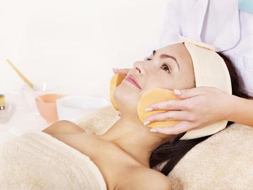 面部肌肤护理全攻略,让你瞬间拥有婴儿般的肌肤